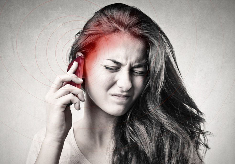 Cellulare emana radiazioni e ragazza soffre