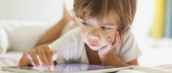 touchscreen diminuisce il sonno dei bambini